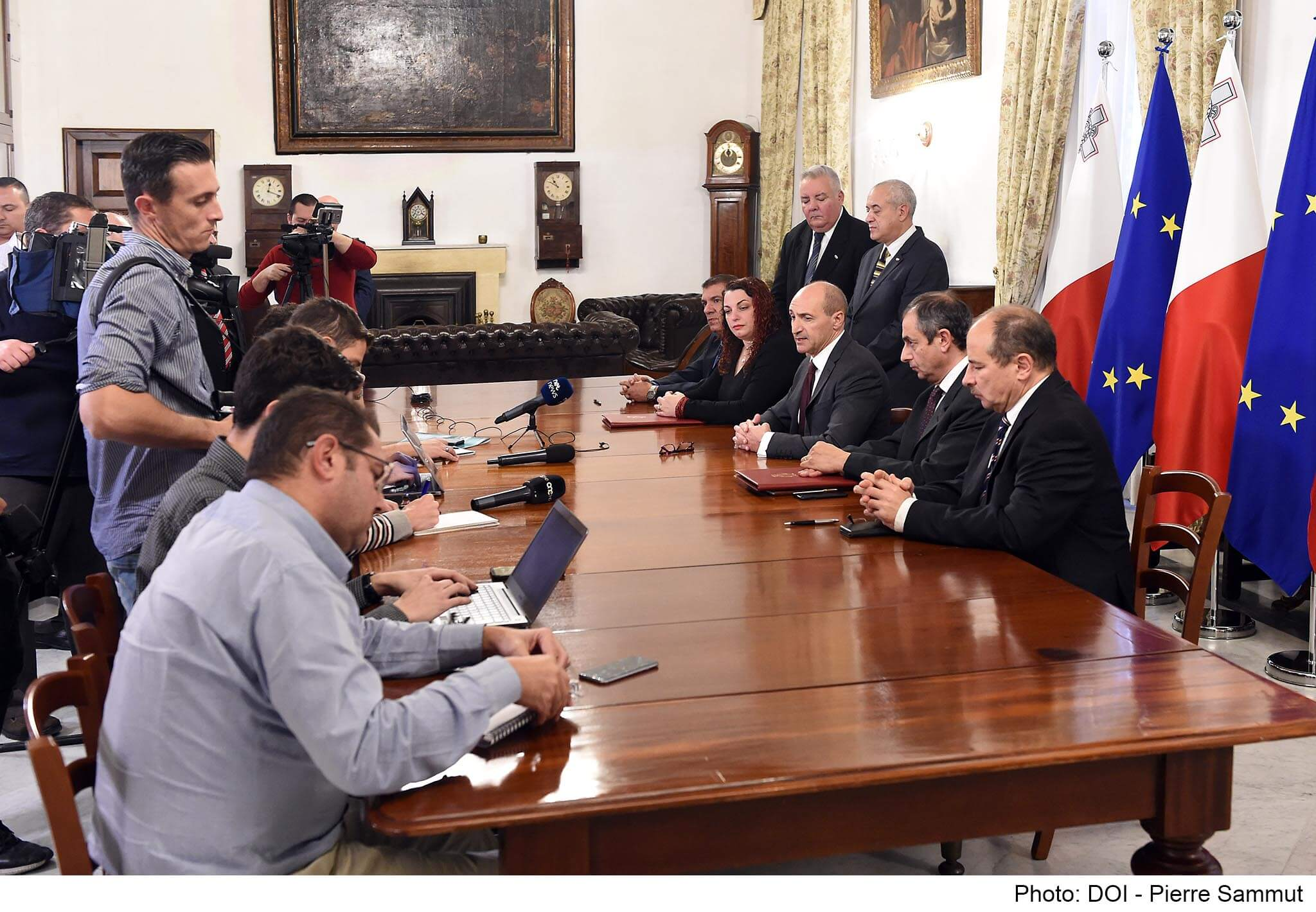 Sectoral agreement signed between Government and MUMN.jpg